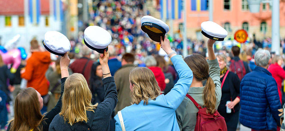 Students donning their caps on Valborg